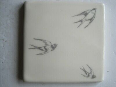 VINTAGE WINCHESTER 105 mm COPPER ENGRAVINGS BIRDS TILE - THREE SWALLOWS