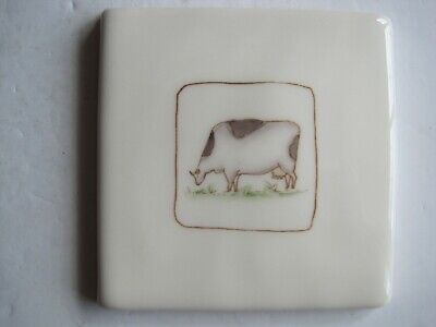 VINTAGE WINCHESTER 105 mm ON THE FARM TILE- CONNIE COW