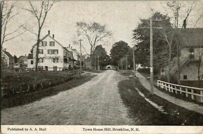 EARLY 1900'S. TOWN HOUSE HILL. BROOKLINE, N.H. POSTCARD t9