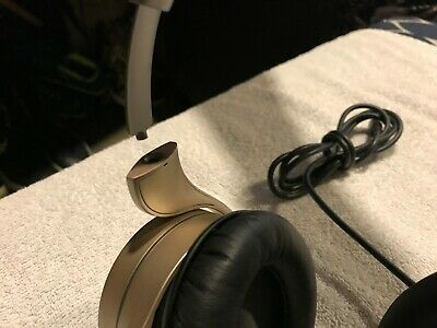 Royole Moon 3D Virtual Mobile Theater Immersive Reality Headset Gold