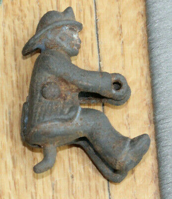 Antique Vintage KENTON Cast Iron FIREMAN for Hook and Ladder Rig ~ Circa 1900