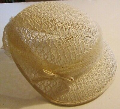 Vintage Mid-Century Womens White Hat w/ Bows Mesh Woven Mod Retro Collectible