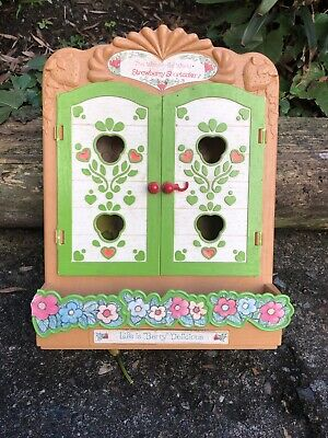 Strawberry Shortcake Berry Patch Miniatures Display Case—Vintage GUC
