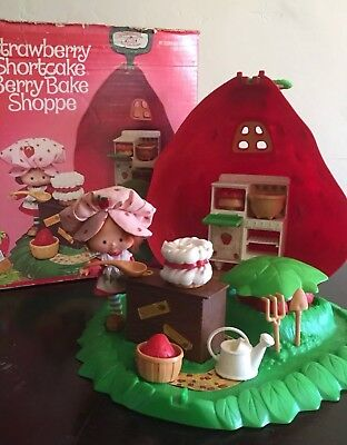 Strawberry Shortcake Berry Bake Shoppe--Vintage Complete, With Box