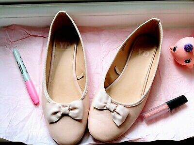 Girls Pink Young Dimension Size 4 Wedding/Party Shoes- GOOD CONDITION!