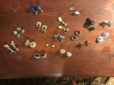 *ESTATE SALE*  Lot of16 Pairs of Vintage clip on Earrings - Costume Jewelry