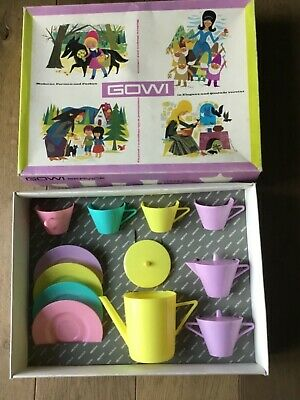 vintage pastel childen Coffee/ tea set, Gowi Austria, in box,💕