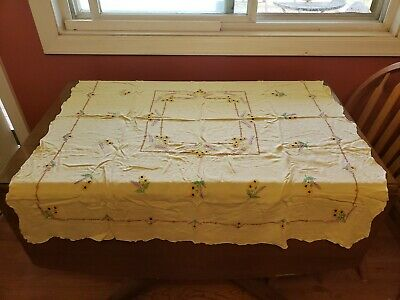 vtg CARD TABLE square YELLOW LINEN TABLECLOTH embroidered 44 X 47