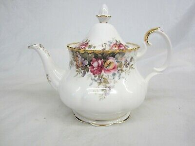 Royal Albert Autumn Roses Large Teapot  Excellent