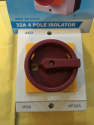 ISOLATOR SWITCH 63 AMP 440 VOLT SINGLE THREE PHASE 4 POLE IP 65 WATER DUST TIGHT