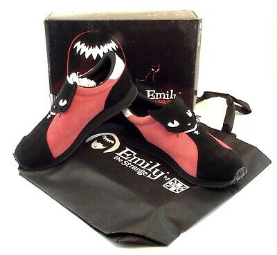 TUK Emily The Strange Ladies Black Cat Gothic CHERRIES Shoes SZ 7 NEW NIB E8040L