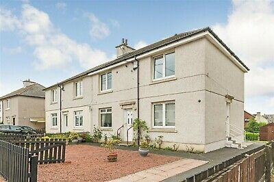 Immaculate Spacious Two Bedroom Cottage Flat , Dykehead Shotts.