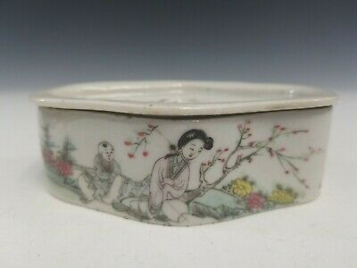 Antique Chinese Famille Rose Porcelain Box