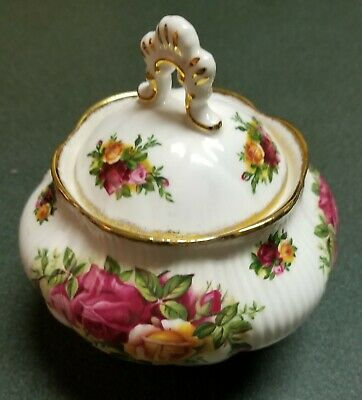 Royal Albert~Old Country Roses~Lidded Sugar Bowl~England