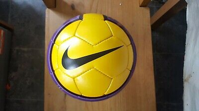 PREMIER LEAGUE NIKE Total 90 Aero 2 Hi Vis FIFA Approved ...
