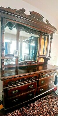 Victorian Dresser. Sideboard 6 large Drawers  Sublime piece. Mahogany Antique.