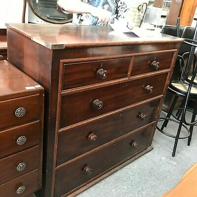 An Antique Mahogany 19th Century large Chest of Drawers