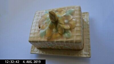Wade Heath England Butter or Cheese Dish w/ Lid in floral Basket Pattern Vintage