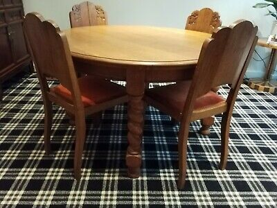 Vintage Solid Light Oak Dining Table to seat 6-8, extendable. Very sturdy.