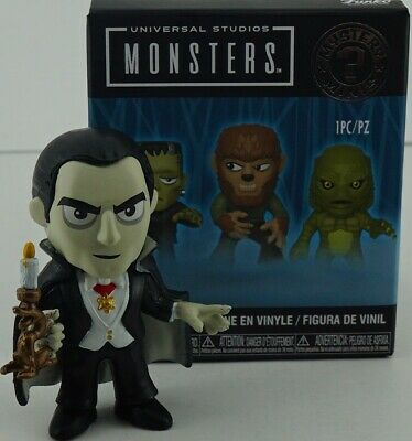 Funko Mystery Mini Universal Studios Monsters Dracula with Candle 1/6