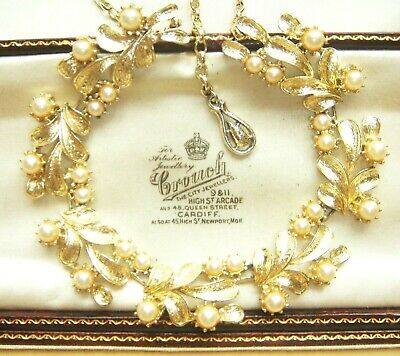 VINTAGE JEWELLERY FAUX GLASS PEARL BERRY CLUSTER NECKLACE Jewelcraft Coro