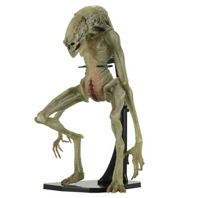 NECA Aliens: Resurrection - 7″ Scale Action Figure-Deluxe Newborn Ripley's DNA