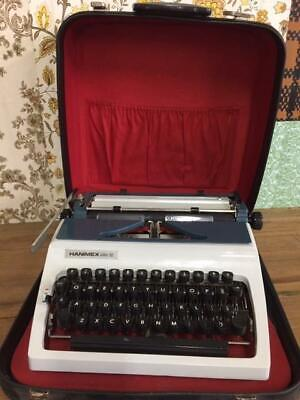 F33035 Vintage Hanimex Robotron Elite 32 Typewriter with Case