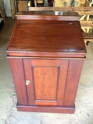 Fabulous Victorian Wash Stand In Polished Mahogany