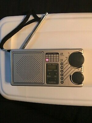 Vintage Lifelong Model 845 Am/FM LCD Portable Alarm Clock Radio Radio Works