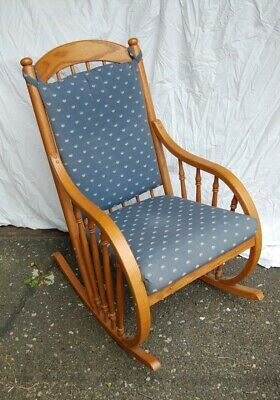 Wood rocking chair oak bent wood armrests, well made, excellent