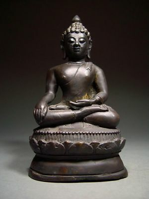 Antique Bronze Meditating Chiengsaen Buddha, Lanna Style. Temple Relic. Thailand