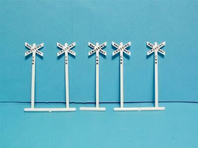 HO Scale Canadian Railroad Crossing Signs Tichy Train Group Accessories 5 Pcs.