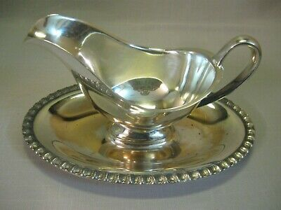 Silver Plate Gravy Sauce  Boat with Handle Attach Plate Leaf Design Around Rim