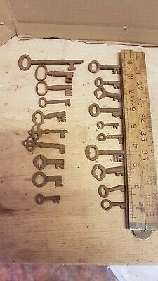 20 Old Antique Vintage Door Keys Rustic Home Decor, Skeleton key wedding favours