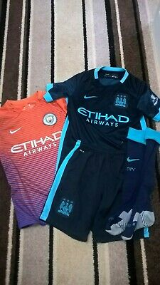 Boys Manchester City kit and top, age 8-10 yrs, KUN AGUERO No10 on back
