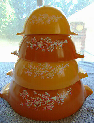 Vintage Pyrex BUTTERFLY GOLD 2 Cinderella Mixing Nesting Bowls Complete Set of 4