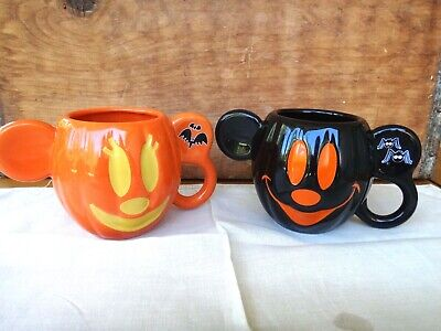 2 Disney Parks ~Retired~ 2015 Halloween Handled Mickey/Minnie Mouse Chlld Mugs
