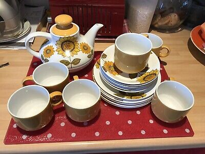Alfred Meakin Glo  White 'Sunflowers' Tea Set Vintage Late 60's