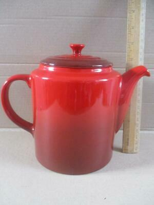 LE CREUSET grand teapot 1.3L Cerise, shaded red excellent condition