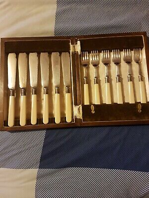 12 Antique Walker & Hall Silver Plated Fish Knife And Fork Sheffield Set With...