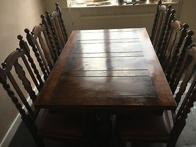 Antique Solid Oak Hand Carved Extendable Dinning Table (+ 6 Chairs)