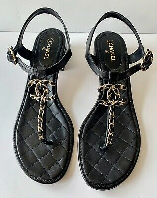 $850 Chanel Chunky Heel Quilted Black Leather Thong Gold Tone Chain Link 10 1/2