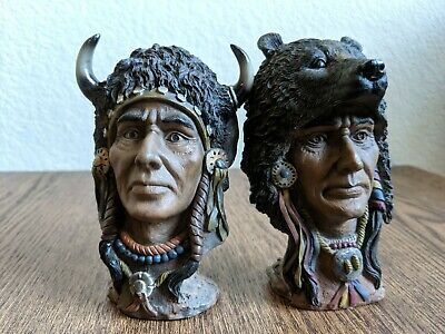 A Pair of Native American Indian Figurine Sculpture (5'')
