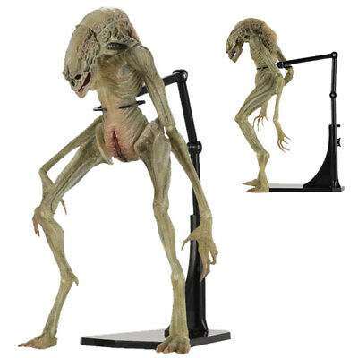 Alien: Resurrection – 7″ Scale Action Figure – Deluxe Newborn - NECA