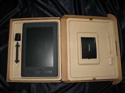 NEW IN BOX Wacom Intuos 3 Digital Tablet 4x6 with PEN Stylus