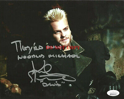 KIEFER SUTHERLAND signed 8x10 Photo THE LOST BOYS David They're Only Noodles REP