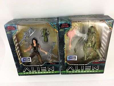 Alien Resurrection Signature Series Lot Ripley & Newborn 6 Inch Action Figures