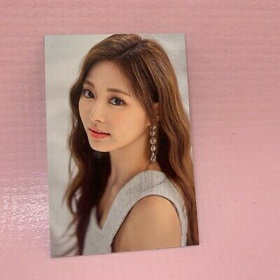 TWICE TZUYU Official TRADING CARD 2019 World Tour TWICELIGHTS MD Photocard 18