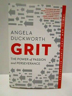 Grit: The Power of Passion and Perseverance by Angela Duckworth PAPERBACK