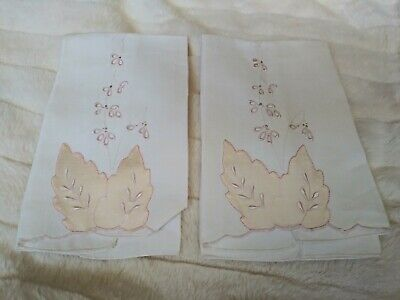 "Set of 2 Madeira Applique & Embroidered Linen Hand Towels  16"" by 11"""